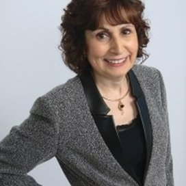 Picture of  Ela Britchkow, Speech and Language Pathologist, a Certified leader in the field of American English Pronunciation with over 20+ Years of Experience.